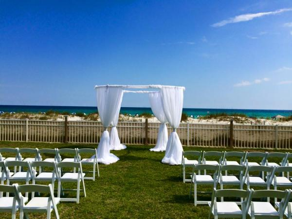 Your Wedding And Reception On The White Sands Of Gulf Coast Can Be Most Romantic Moments Life Call Marry Me Rentals We Will