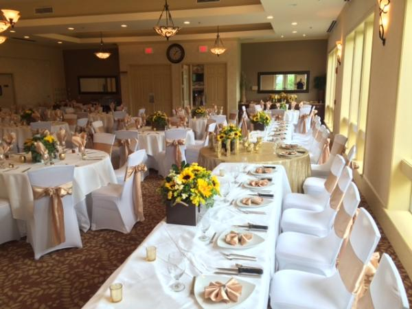 Scenic Hills Country Club White Linens Off Set With Champagne Napkins And Chair Sashes Museum Of Commerce Pensacola Fl
